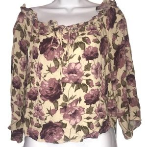 American Eagle Outfit floral blouse Size M